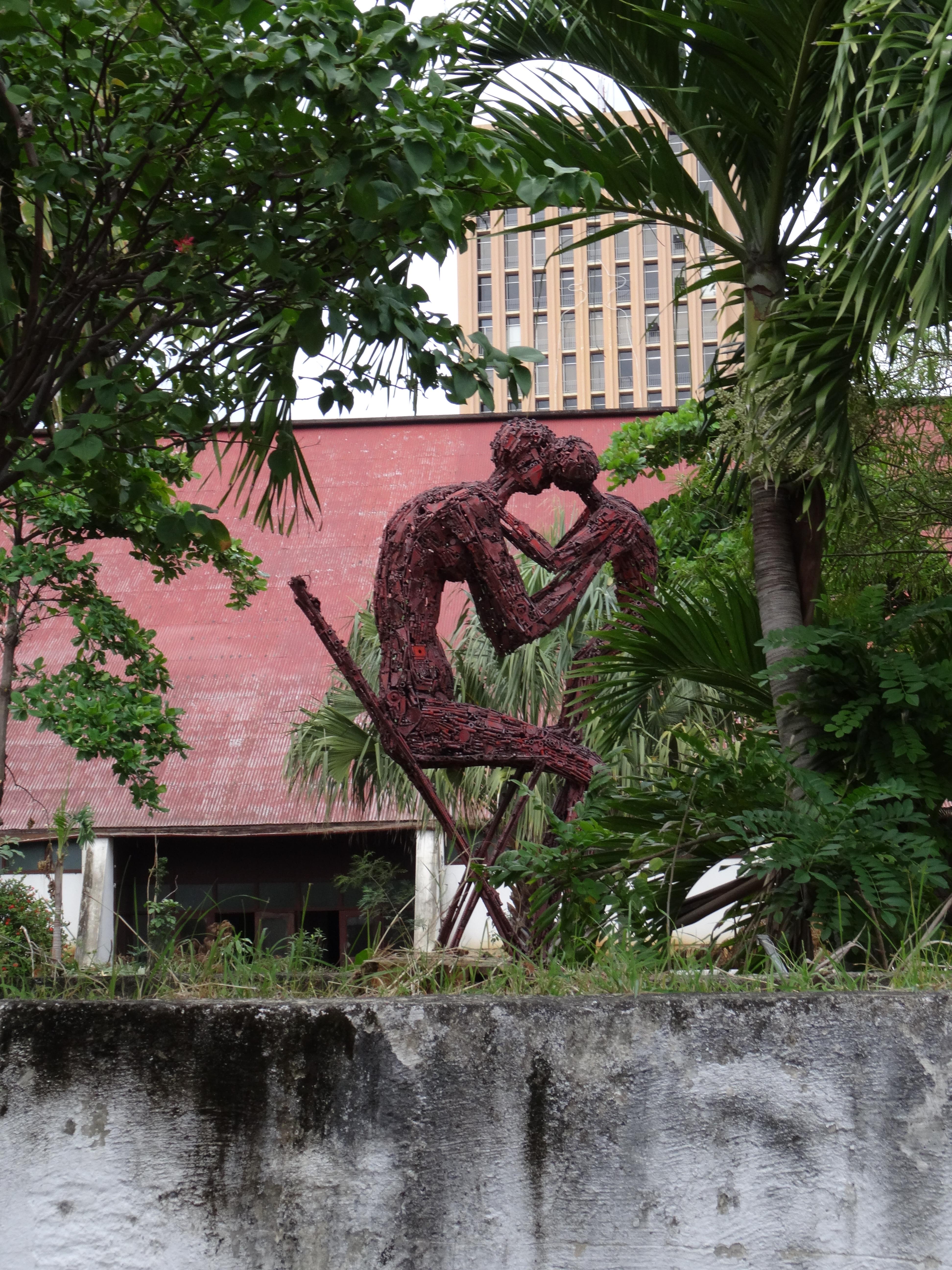 escultura olof palme 3